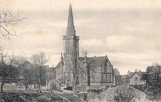 A black & white photograph of Alyth Parish Church in 1906.